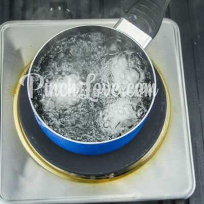 Рулет из лаваша с твердым сыром и яйцом - шаг 1-2