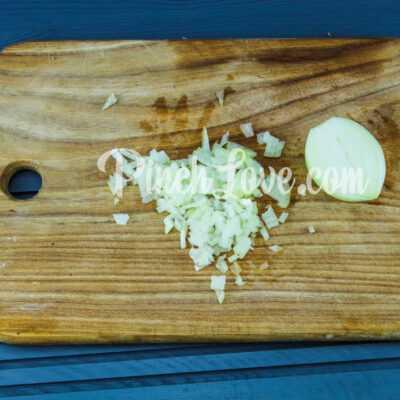 Грибной суп из шампиньонов - шаг 1-2