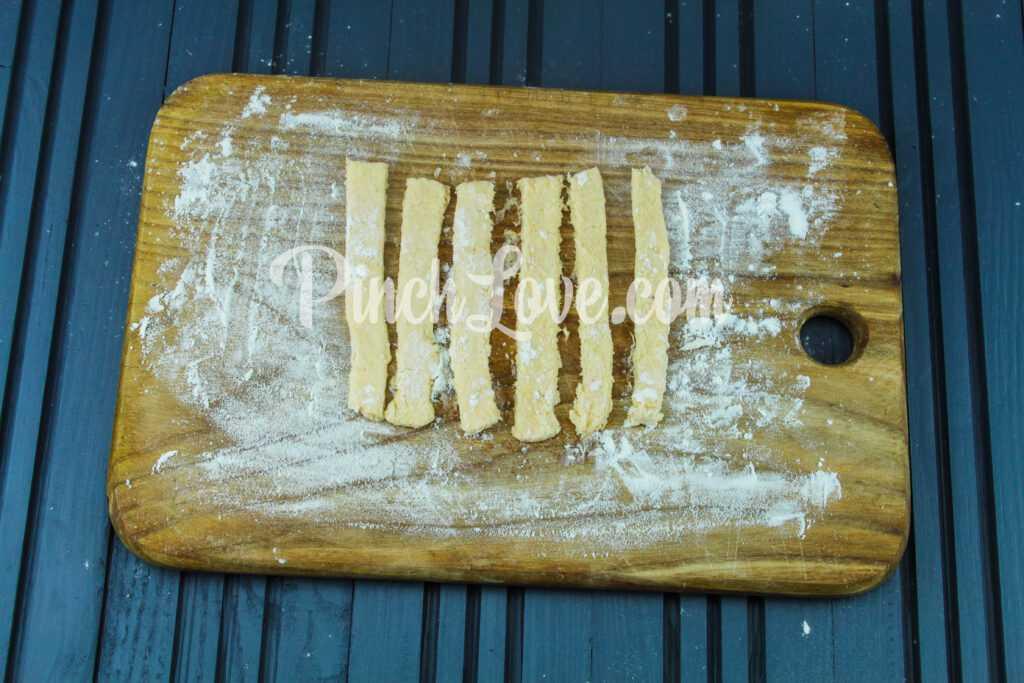 Сырные палочки - шаг 4
