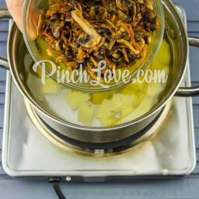 Грибной суп из шампиньонов - шаг 5-2