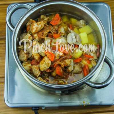 Жаркое из свинины с картошкой - шаг 8-1