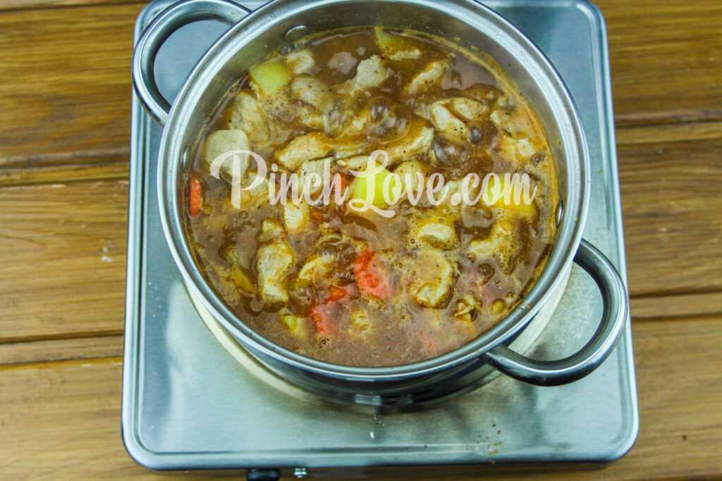 Жаркое из свинины с картошкой - шаг 9