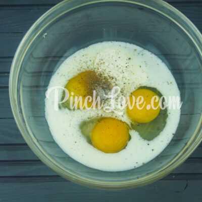Омлет с цветной капустой, черри и сыром - шаг 1-1