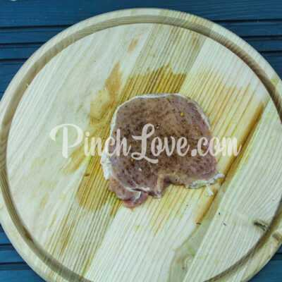 Свинина в фольге с картошкой - шаг 1-2