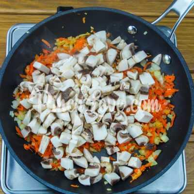 Гречневая каша с грибами - шаг 2-1