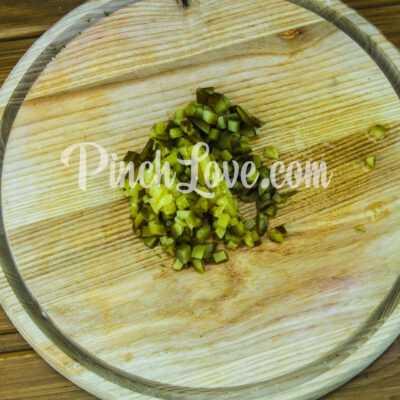 Салат из свеклы и маринованных огурцов - шаг 2-1