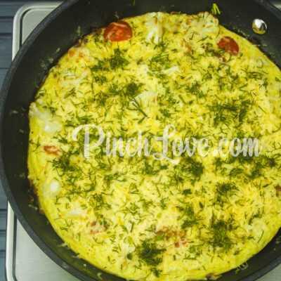 Омлет с цветной капустой, черри и сыром - шаг 5-2