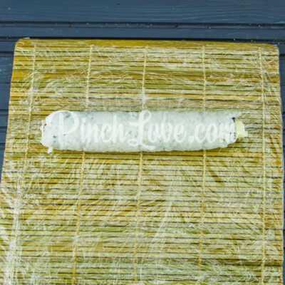 Роллы с крабовыми палочками, огурцом и сливочным сыром - шаг 5-2