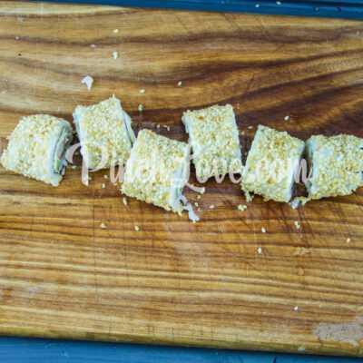 Роллы с крабовыми палочками, огурцом и сливочным сыром - шаг 6-2