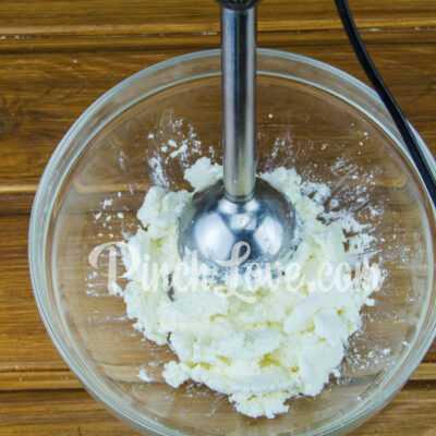Сырники, запеченные в духовке - шаг 1-2
