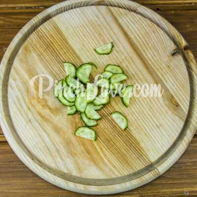 Микс-салат с огурцом, черри и маслинами - шаг 1-1
