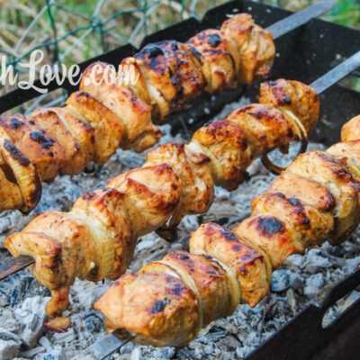 Куриный шашлык в маринаде из соевого соуса