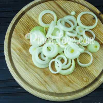 Куриный шашлык в маринаде из соевого соуса - шаг 1-2