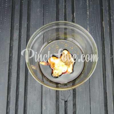 Шашлычки из куриного филе на сковороде - шаг 3-1