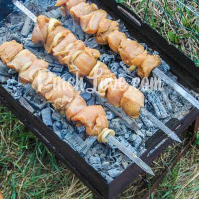 Куриный шашлык в маринаде из соевого соуса - шаг 5-1