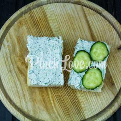 Сэндвич с красной рыбой и творожным сыром - шаг 5-1