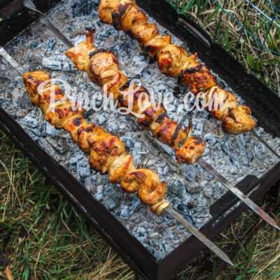 Куриный шашлык в маринаде из соевого соуса - шаг 5-2