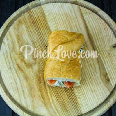Сэндвич с красной рыбой и творожным сыром - шаг 5-3