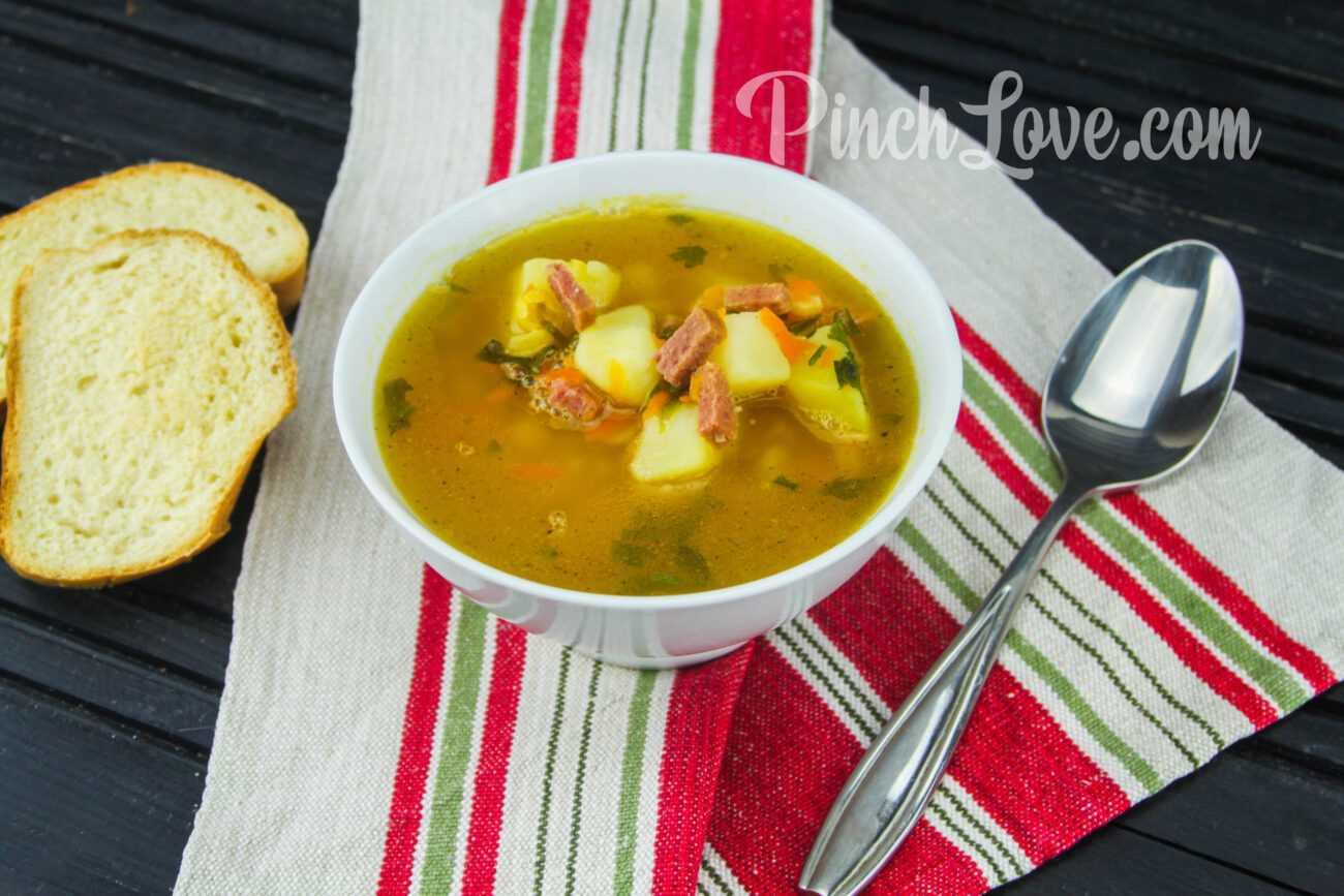 Гороховый суп с сырокопчёной колбаской
