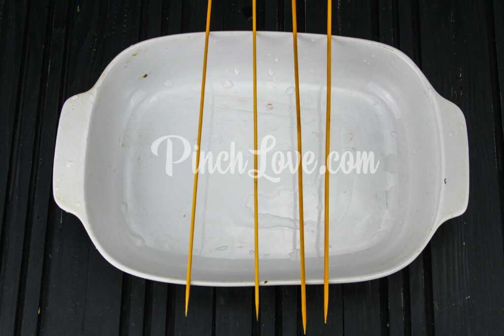 Шашлычки из куриного филе и черри в духовке - шаг 1