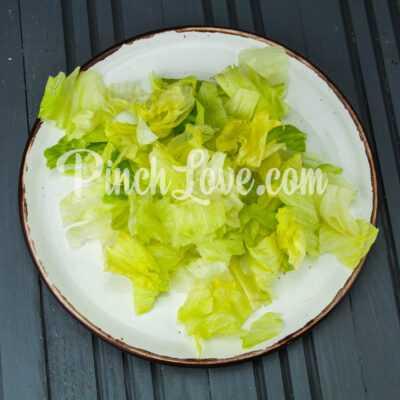 Салат из семги с перепелиными яйцами - шаг 2-2