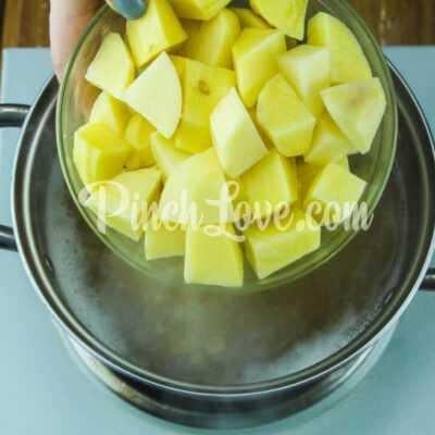 Гороховый суп с сырокопчёной колбаской - шаг 3-1