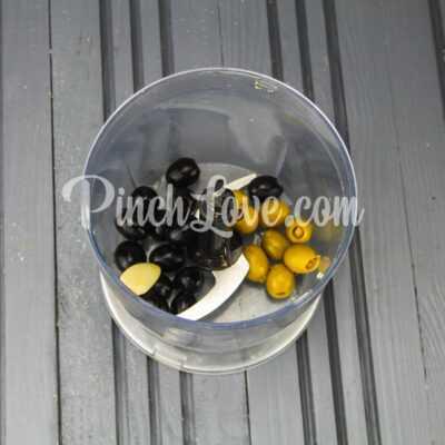 Канапе с паштетом из оливок и маслин с семгой - шаг 3-1