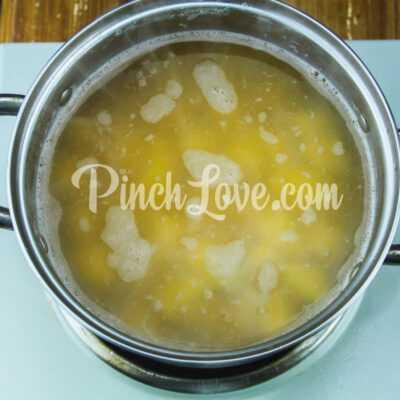 Гороховый суп с сырокопчёной колбаской - шаг 3-2