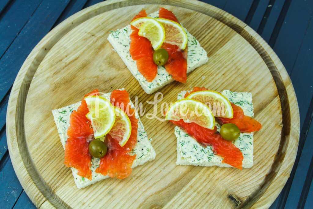 Бутерброд с красной рыбой - шаг 4