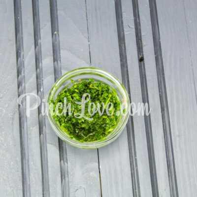 Салат из семги с перепелиными яйцами - шаг 4-2