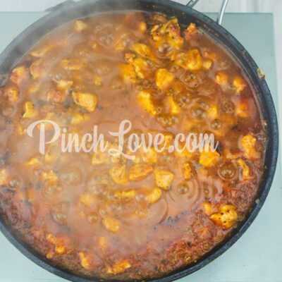 Макароны с курицей в томатном соусе - шаг 4-3