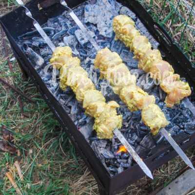 Куриный шашлык в майонезном маринаде - шаг 6-1