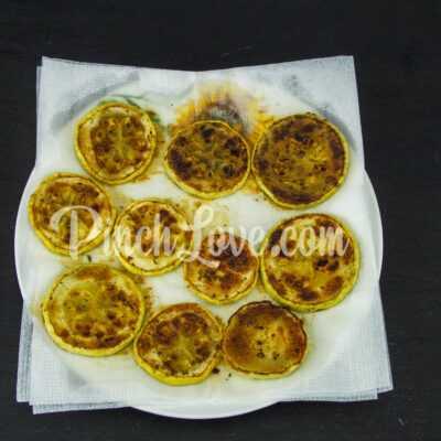 Жареные кабачки с орегано - шаг 4-1