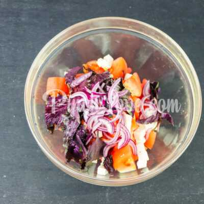 Салат из арбуза, помидора и базилика - шаг 4-1